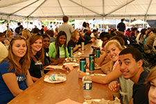 Students eating at Fall Welcome.