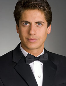 Guest conductor Francisco Nunez
