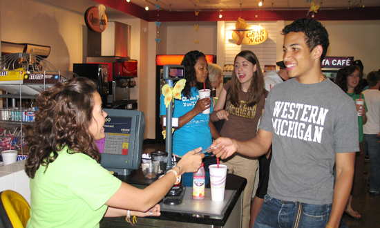 Photo of students buying food at Bella Vita Café