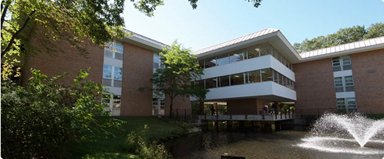 photo of exterior of WMU Muskegon