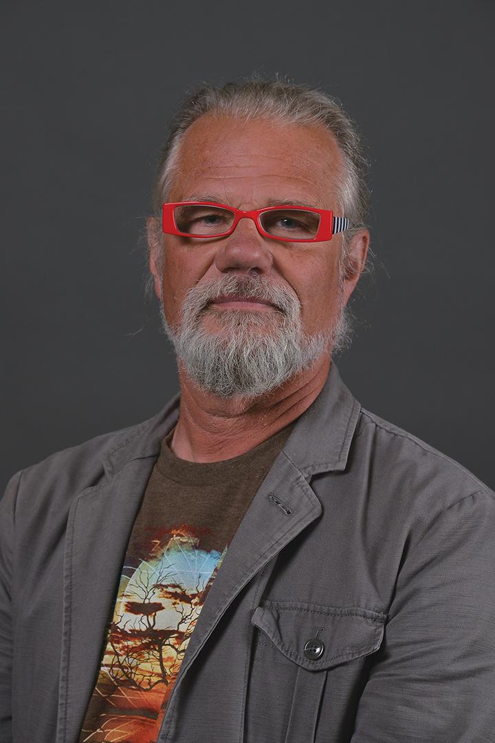 <b>James Henry</b> - henry-jim-portrait