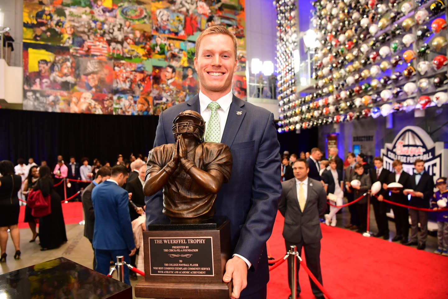 Wassink holds the Wuerffel Trophy.