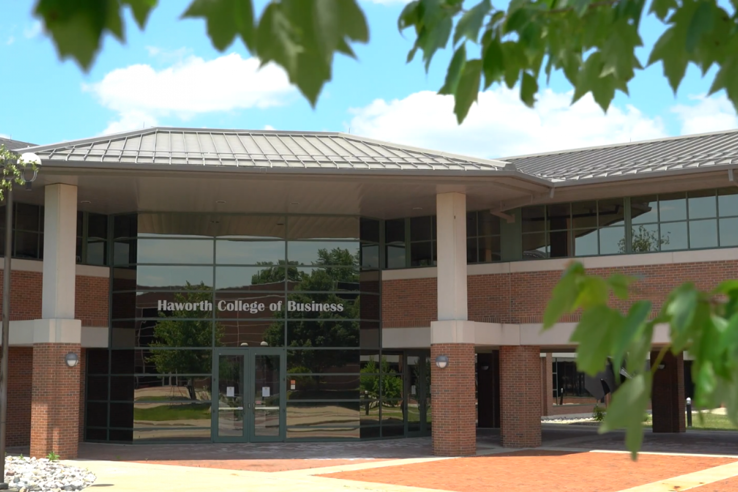 Photo of the Haworth College of Business.