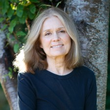 Head and shoulders portrait of Gloria Steinem.