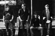 Photo of band Matchbox Twenty.