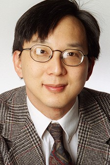 Photo of journalist Kenneth Chang.