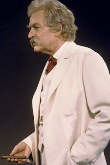 Photo of Hal Holbrook in character as Mark Twain.