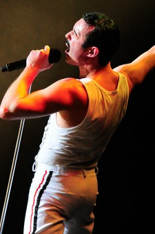 Photo of Gary Mullen as Queen's Freddie Mercury.