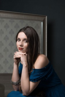 Photo of WMU alumna and vocalist Ema Katrovas.