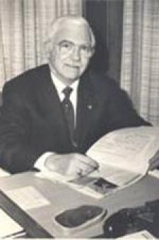 Photo of Dr. William Birch.