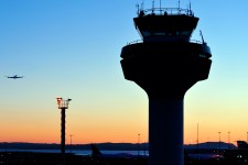 Photo of air traffic control tower.