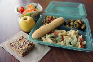 Reusable container for carryout and grab'n go