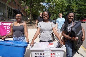 WMU Student at move-in