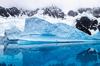 Photo of an Anarctic glacier.