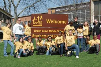 Photo of middle school students visiting WMU's campus.