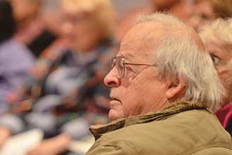 Photo of elderly man in class.