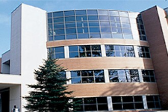 Photo of WMU School of Medicine Clinics building.