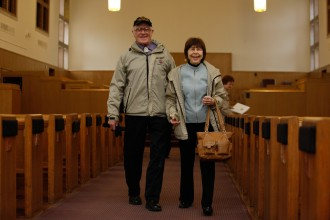Photo of Hildur and Leon Makielski in Kanley Chapel.