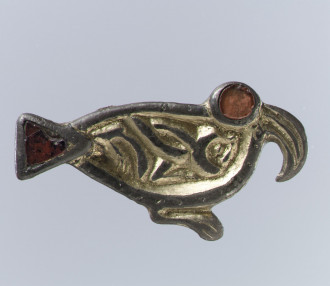Bird-Shaped Brooch, 500–550 C.E., early medieval English. Silver-gilt, garnets. Image courtesy of the Metropolitan Museum of Art, gift of J. Pierpont Morgan, 1917.