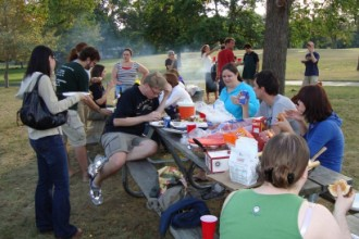 Image of a Goliardic Society picnic.