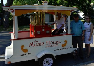 Kelsey Ennis on internship at the Music House Museum