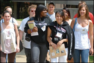 Photo of students at WMU orientation.
