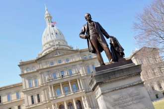 Photo of the Michigan Capitol Building.
