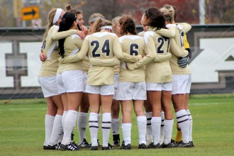 Photo of 2015 WMU women's soccer team.