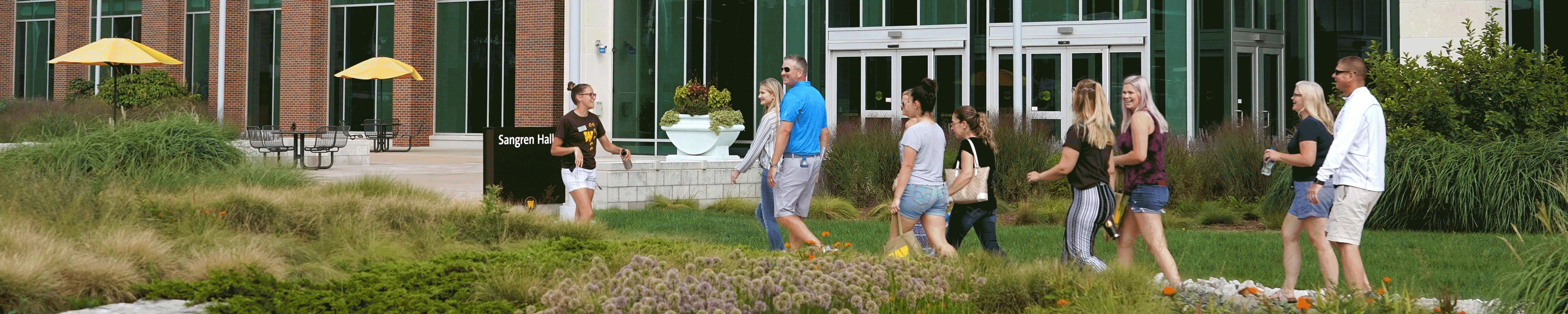 Page banner: New families on a walking tour of WMU campus