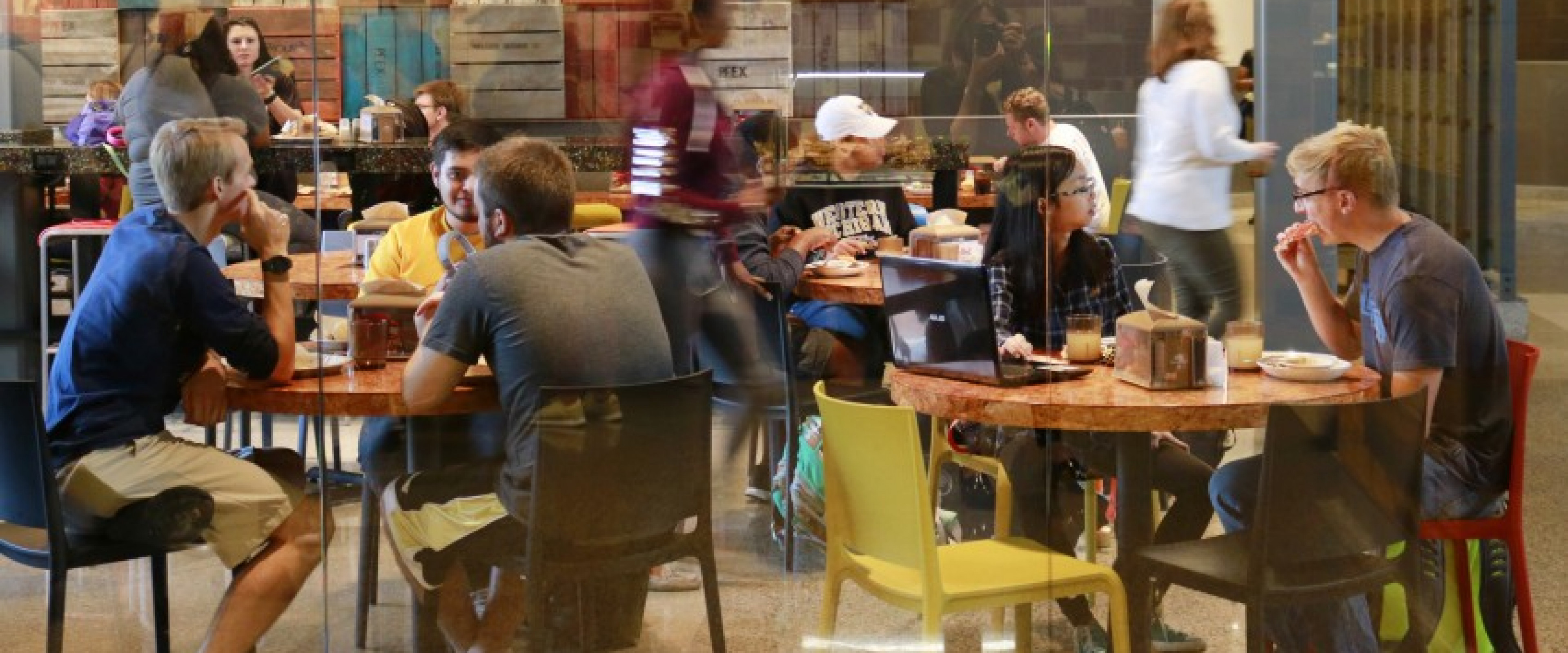WMU students in Valley Dining Center