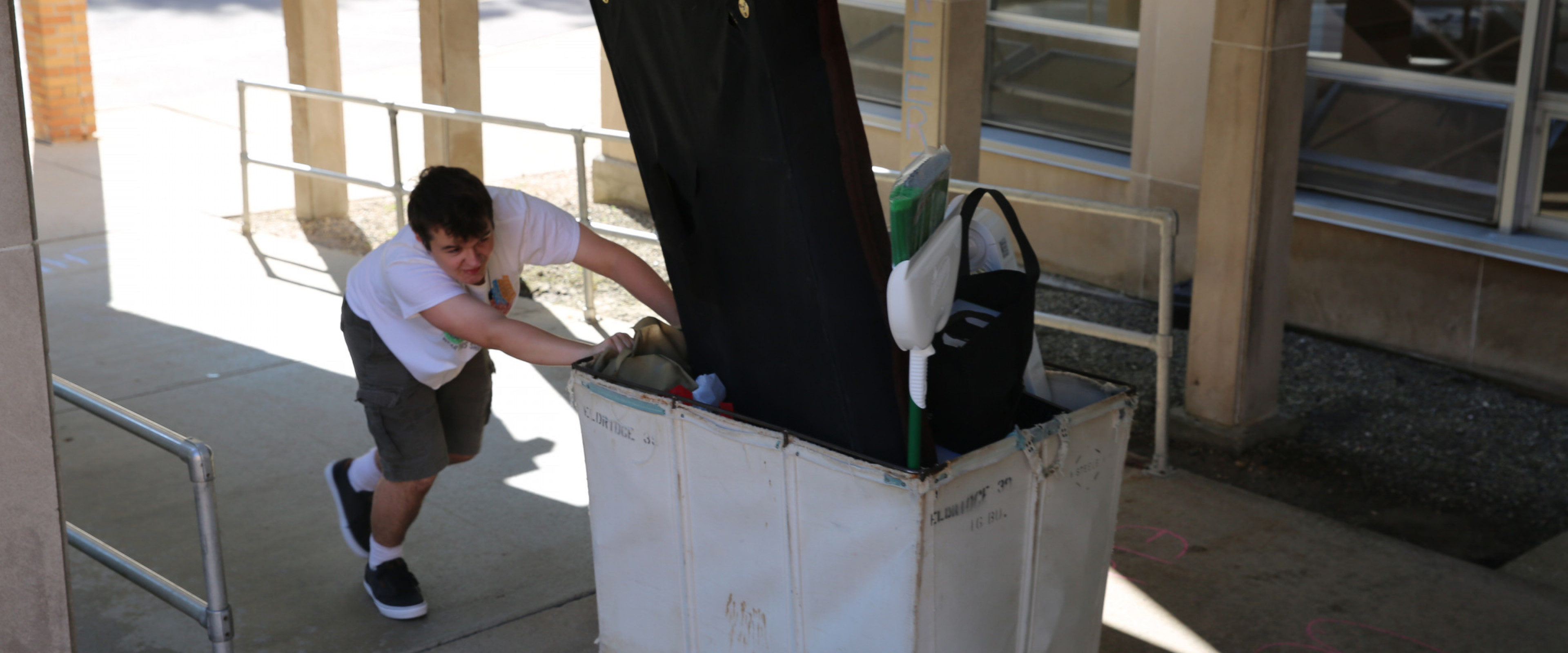 WMU Student moving-in