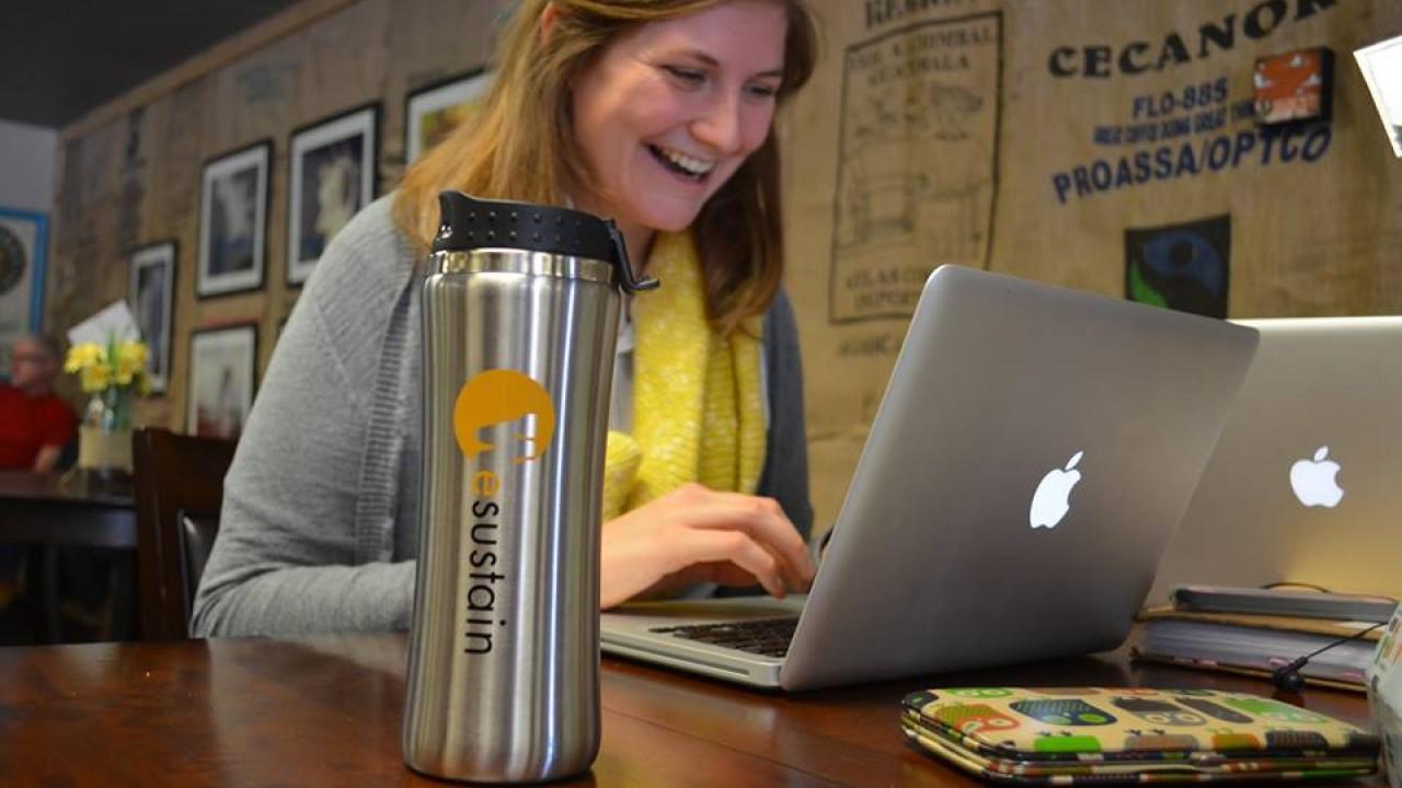 EcoMug and laptop