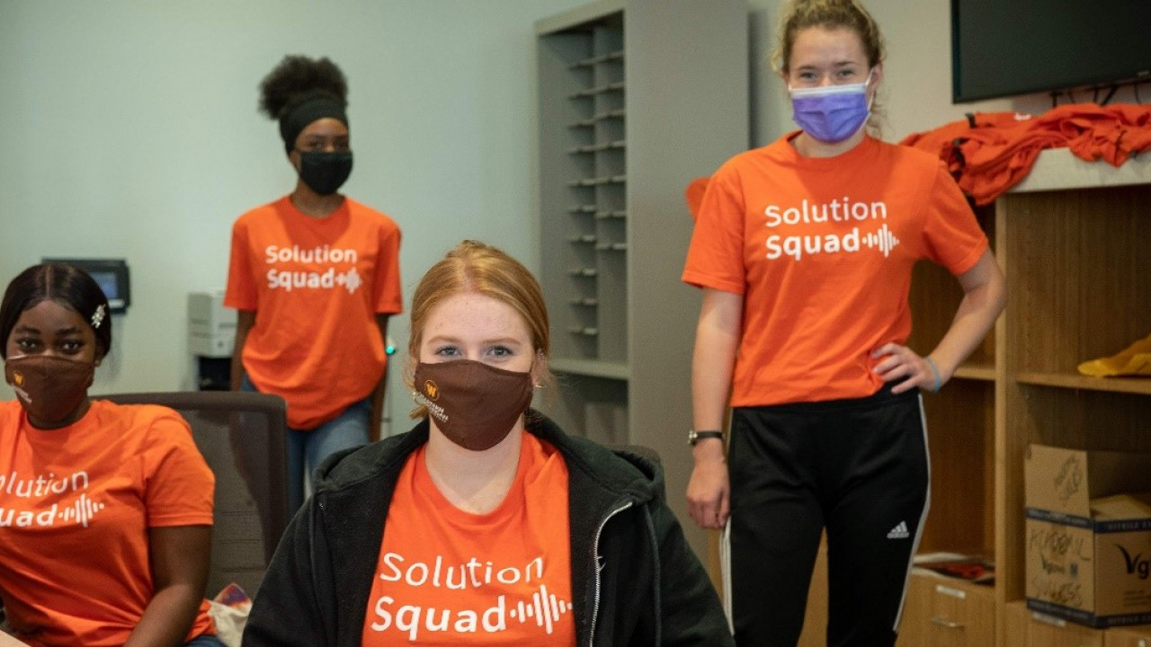 4 students in solution squad office
