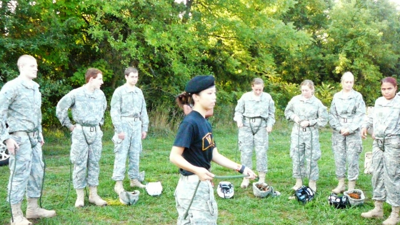 Cadets learn how to tie a swiss seat