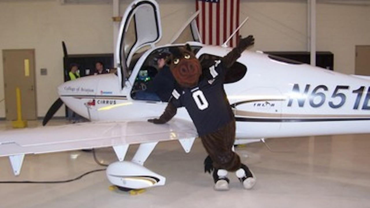Buster Bronco learning to be a Cirrus SR20 pilot at Western Michigan University