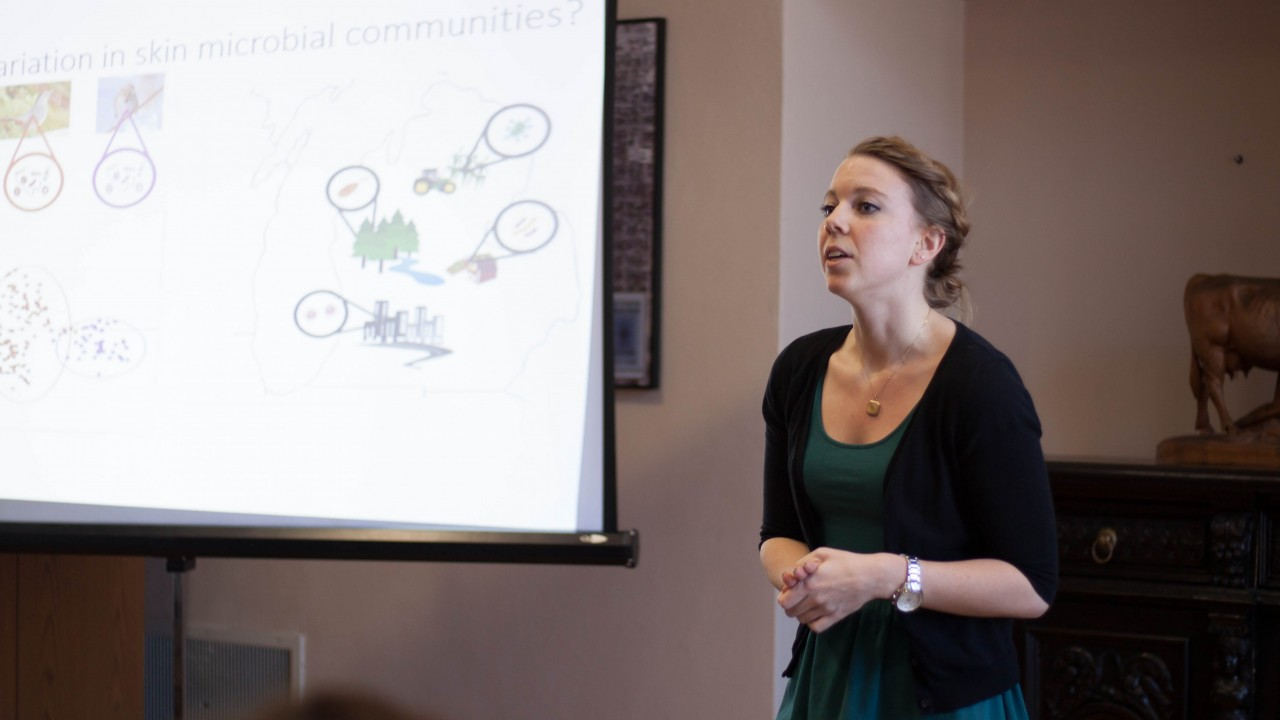 Graduate Student presenting their research at the Gradtalks three minute thesis competition