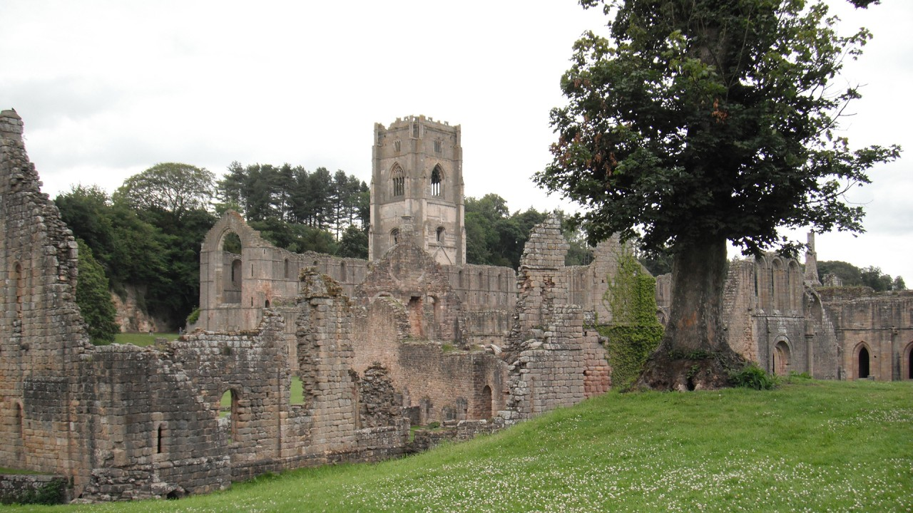 Image of the ruins of Fountains Abbey.