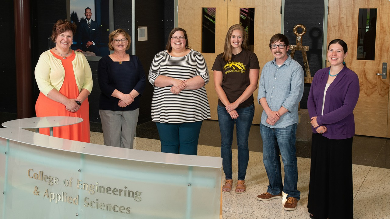 college of engineering advising staff in the main lobby