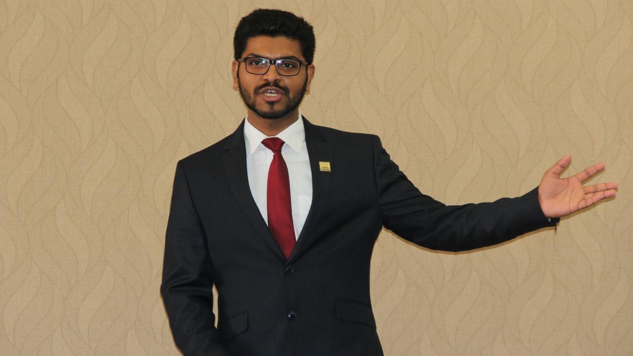 Praful Gowda presenting at fall 2017 Grad Talks.