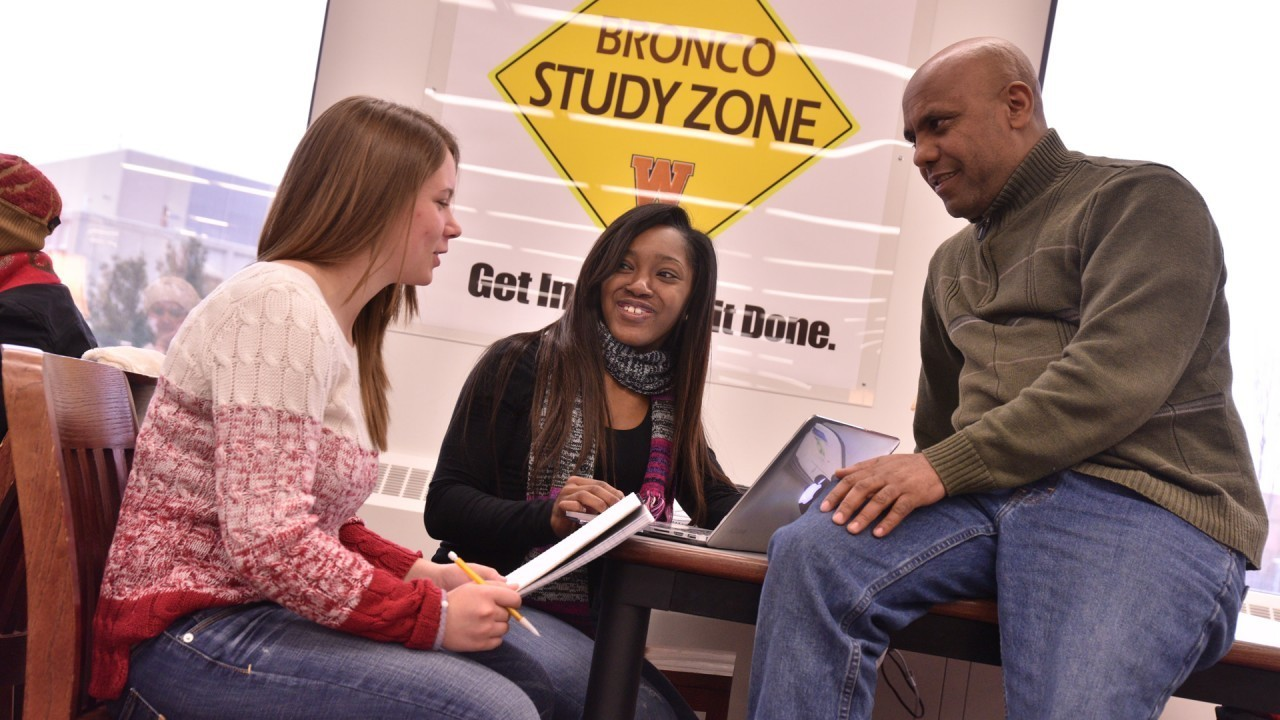 photo of students and tutor Bronco Study Zone