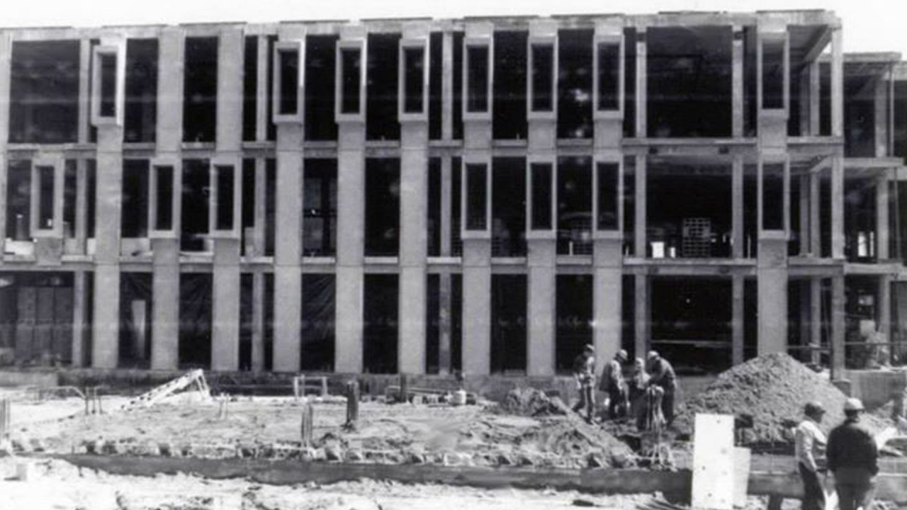 Rood Hall being built in 1969
