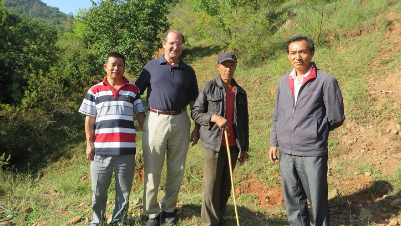 Dr. Gregory Veeck with research partners in China