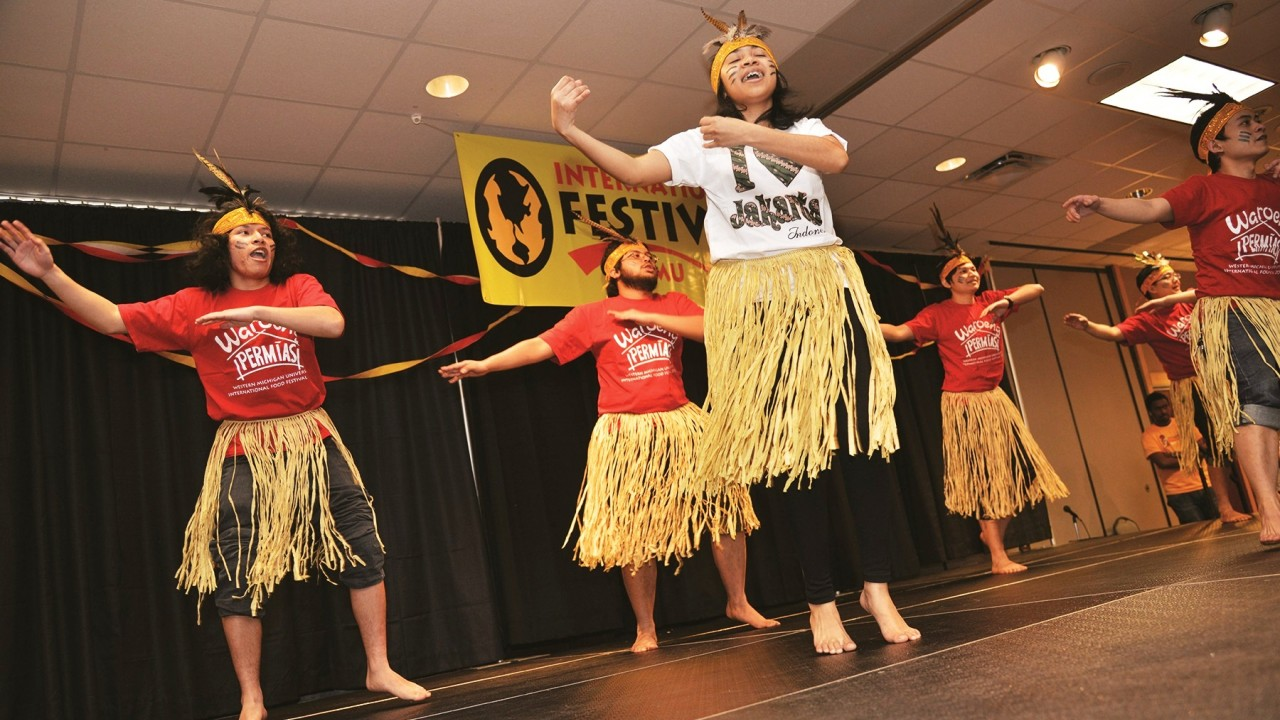 WMU Indonesian students performing at International Festival