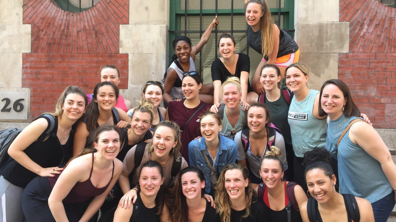 Group photo with Distinguished Alumna, Jackie Nowicki, after her class at Peridance Capezio Center.