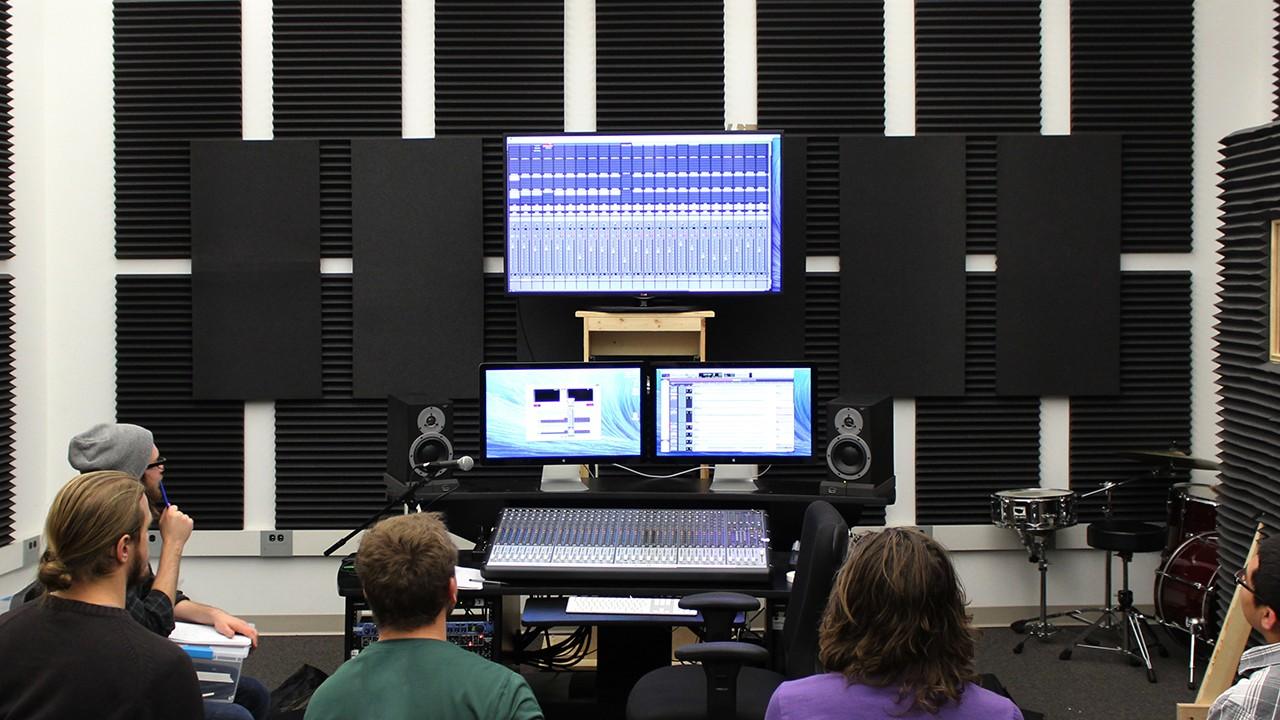 Kohrman 2206 - Student Recording Lab