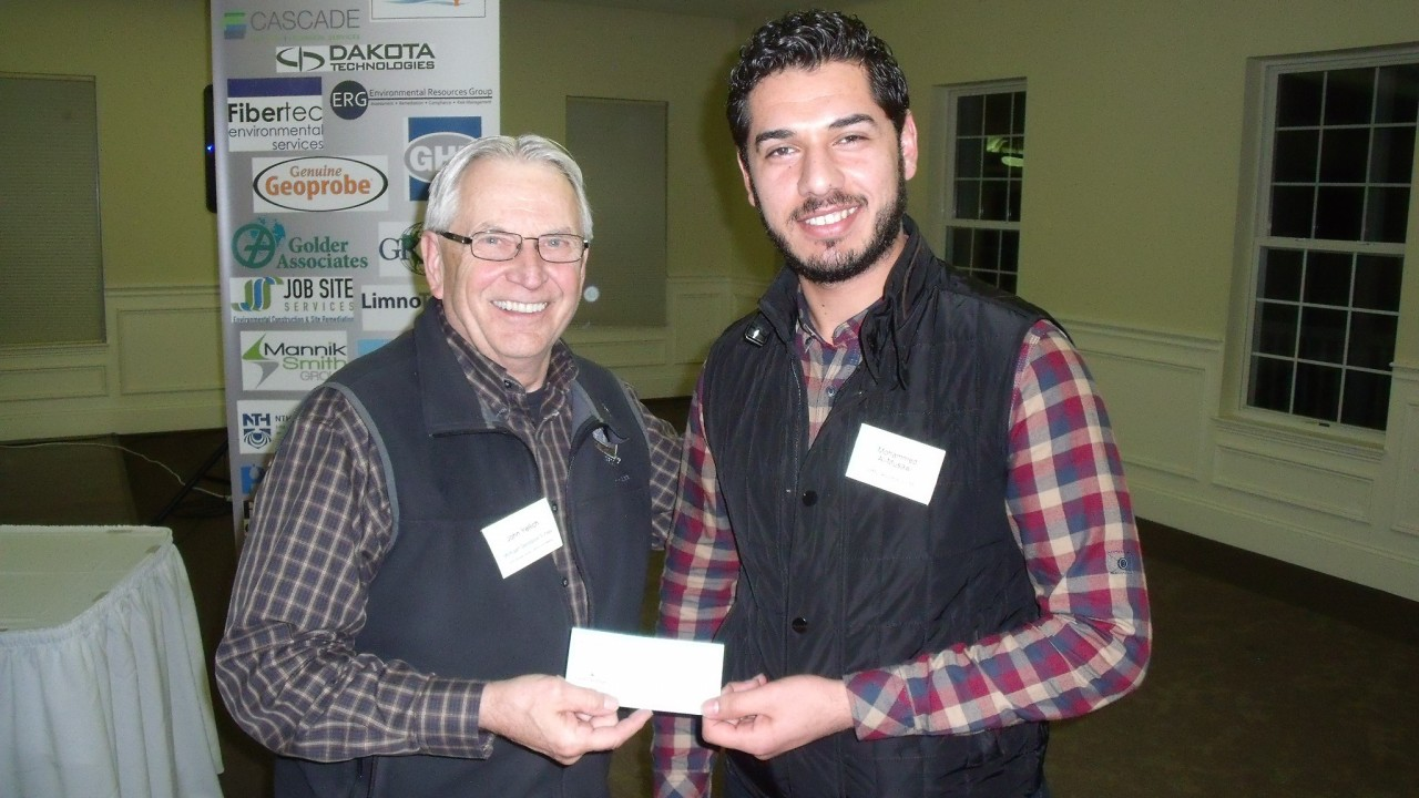 Mohammed Al-Musawi accepts the MGBS annual scholarship