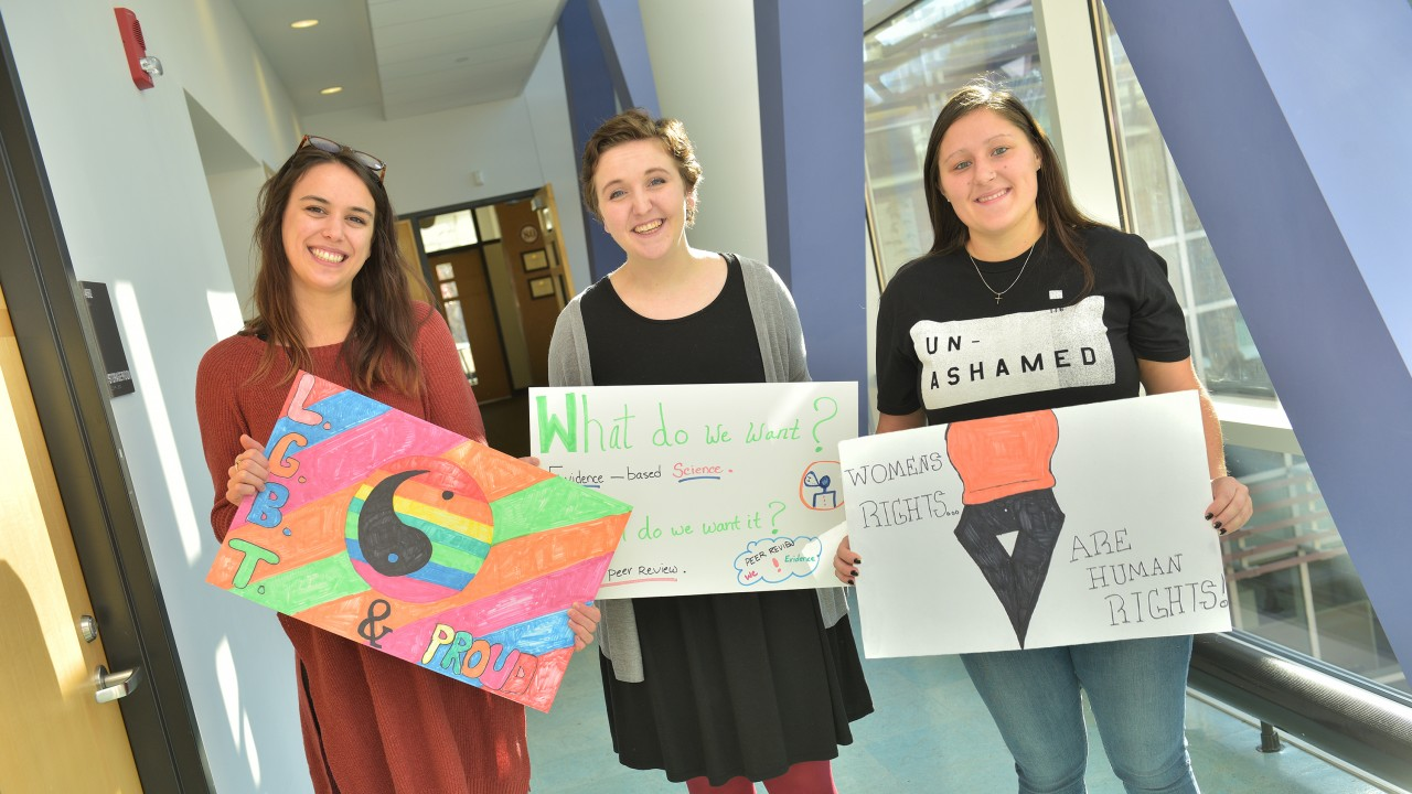 SW Students and Signs