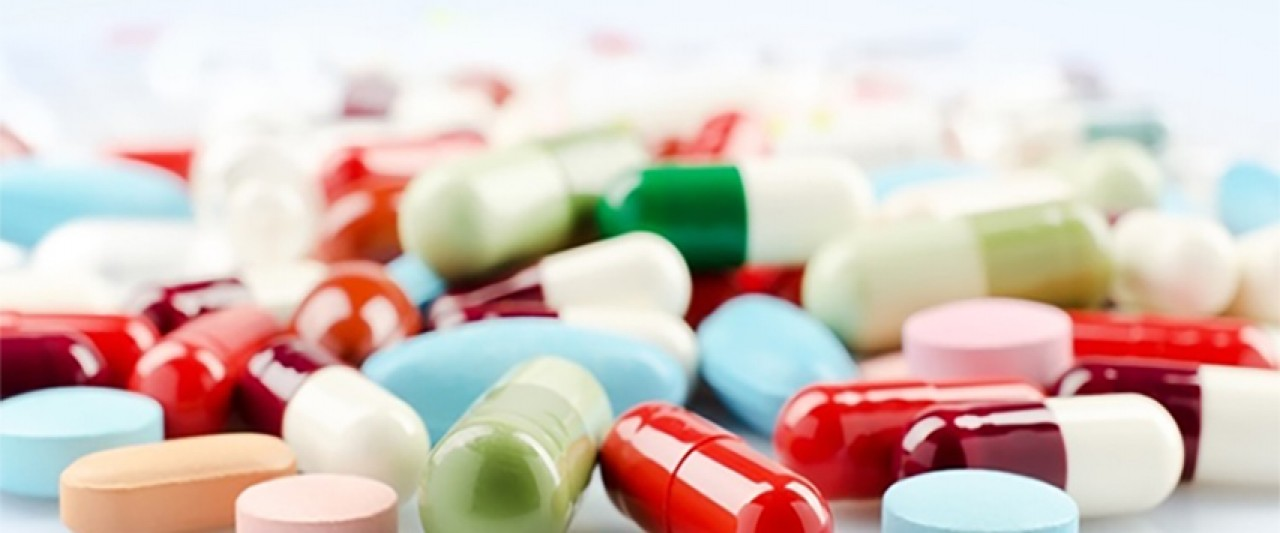 photo of pills and capsuls