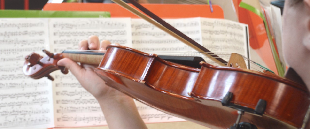 Students playing violin