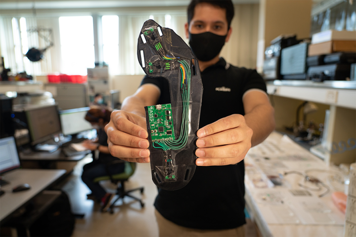 Western researchers develop a special boot to save limbs and lives